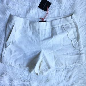 NWT Cynthia Rowley white scalloped linen shorts